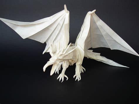 Origami Naga - beautiful exles of origami paper hongkiat