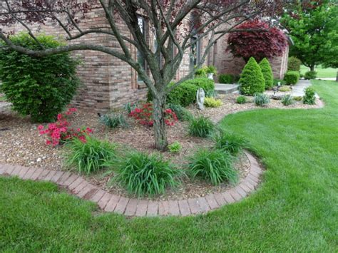 increase curb appeal with our landscape bed weed control