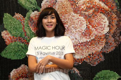 film magic hour pemain anisa rahma perankan anisa di film magic hour foto 3
