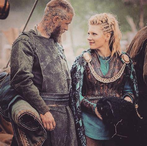 post mortem vikings creator discusses cruelest death vikings ragnar actor hairstylegalleries com