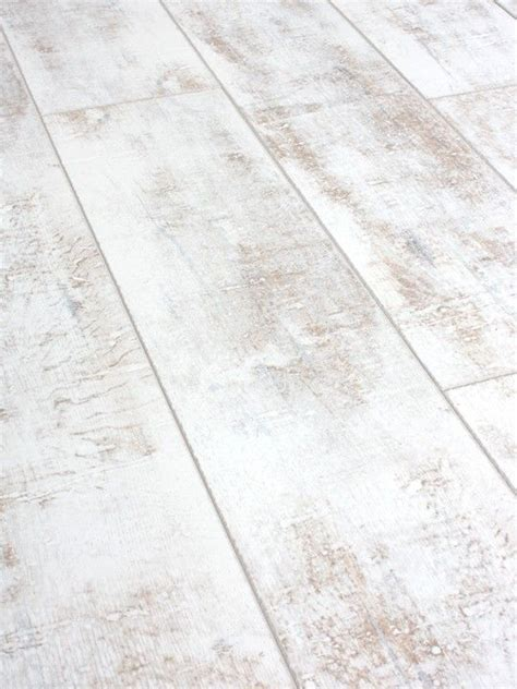 White Wood Laminate Flooring 25 Best Ideas About White Laminate Flooring On Pinterest Grey Laminate Flooring Grey
