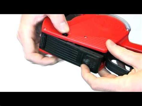 Preisaufkleber Maschine by Loading Price Gun Labels Into An Mx5500 Eos Price Gun