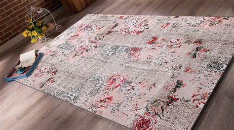 gul oymali sik yatak odasi hali modeli patchwork pudra g 220 l paspas 50 80 aydinlatma hali ve