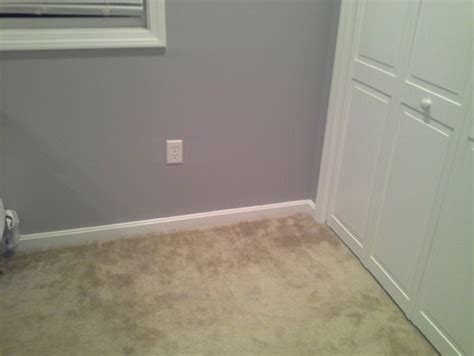 which color carpet with gray walls bedroom