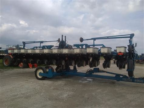 Used Kinze Planters For Sale by Kinze 3600 For Sale Watseka Illinois Price 48 950