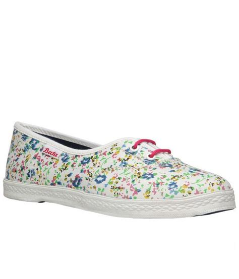 bata white casual shoes