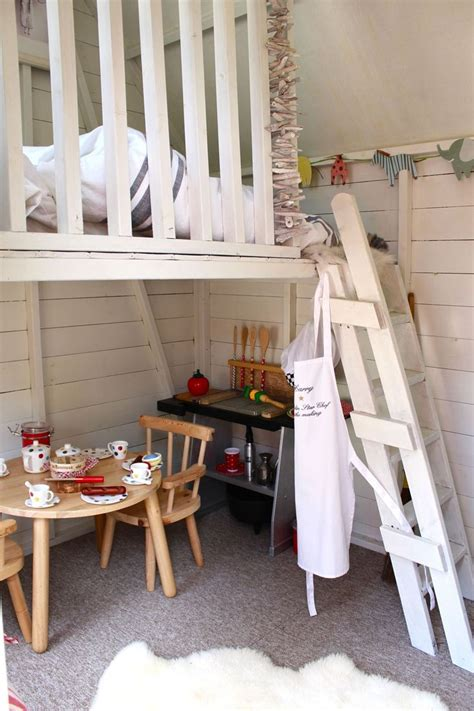 Playhouse Decor by Playhouse Interior Gonna Decorate A Playhouse