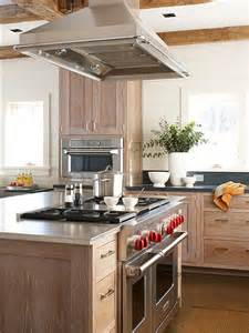 Kitchen Vent Hood Ideas 17 Best Ideas About Island Stove On Pinterest Craftsman