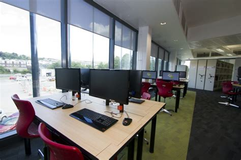 I Desk Solutions by School Desks For Creative Learning Spaces I Desk Solutions