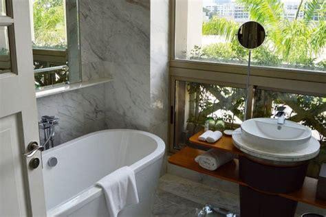 bathtub refinishing indianapolis bathtub restoration indianapolis in colored porcelain enameled acrylic prices bathtub