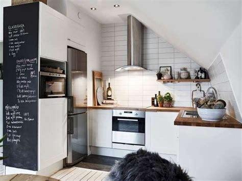arredare parete cucina oltre 25 fantastiche idee su angolo della parete su