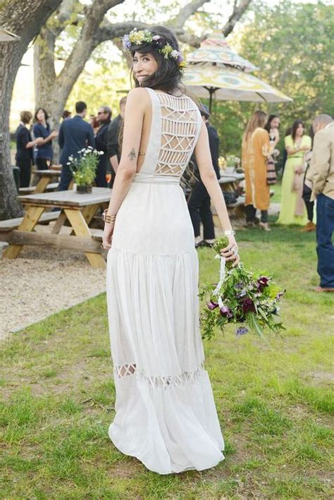 Backyard Wedding Bridesmaid Dresses 47 Effortlessly Chic Backyard Wedding Dresses Happywedd