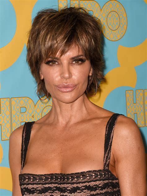 lisa rena hairstyles 2015 lisa rinna layered razor cut lisa rinna looks stylebistro