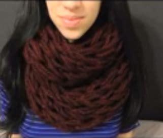 kurtz corner arm knitting on how to arm knit an infinity scarf how to knit
