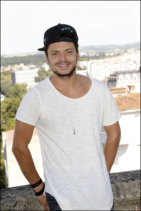 kev adams kev adams entre au mus 233 e gr 233 vin photos t 233 l 233 star