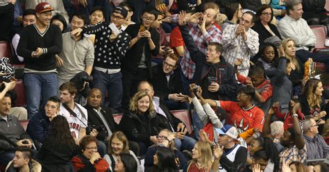 toronto star sports section maple leafs or raptors fans who has more fun at air