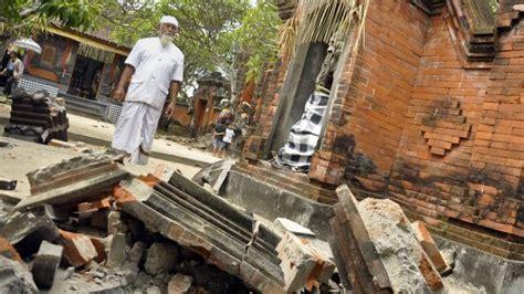 earthquake denpasar presstv indonesia quake kills child injures 7