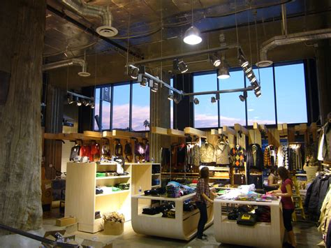 burton los angeles flagship retail store tres birds