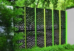 sichtschutz paneele garten sichtschutz f 252 r garten selber bauen holz glas oder metal