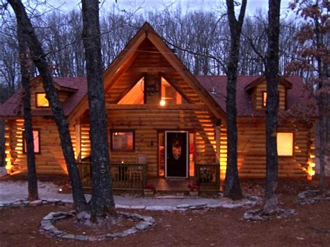 chalets on table rock lake vrbo branson log cabin tub fireplace wifi golf