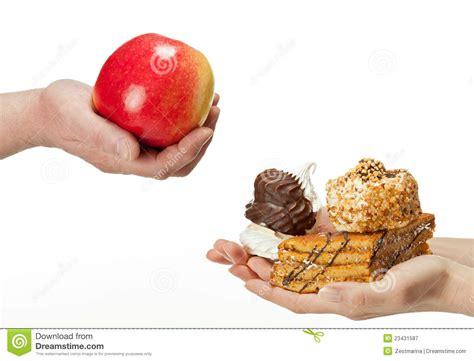 das konzept des bildes choices gesunde oder ungesunde nahrung lizenzfreie