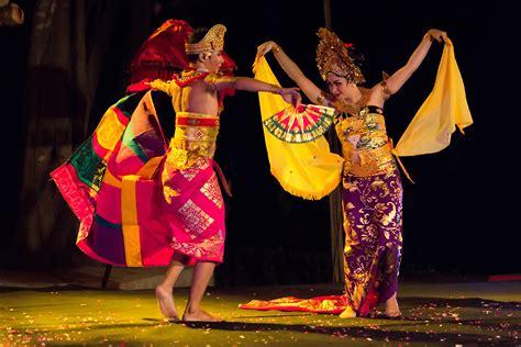 Dress Rodat danza en indonesia wikiwand