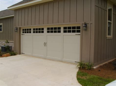 Chi Overhead Garage Doors 1000 Images About Carriage House Garage Doors By C H I Overhead Doors On Models