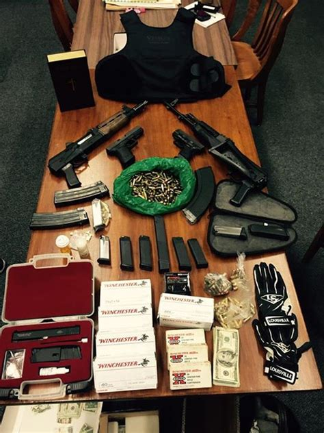 San Francisco Warrant Search Two Arrested After Seize Guns Drugs Breaking911