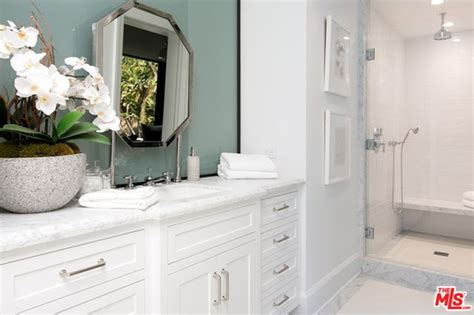 kendall jenner bathroom kendall jenner buys the west hollywood house of john