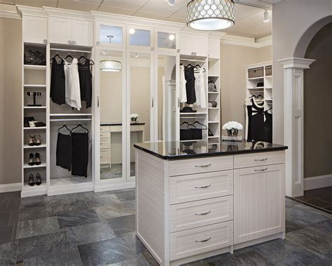 Absolute Closets Las Vegas by 5 Organizational Tips For Small Closets Closet Storage