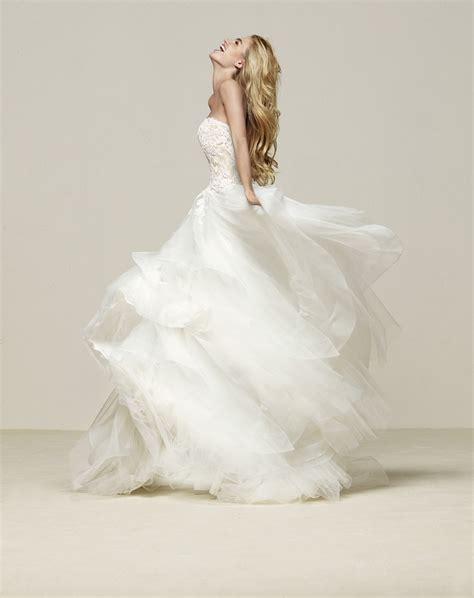 Pronovias Brautmode by Das Pronovias Brautkleid 2018 Heiraten Hochzeit