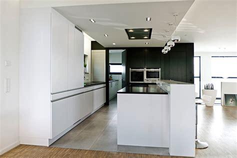 küche weiß günstig wohnzimmer wei 223 gr 252 n