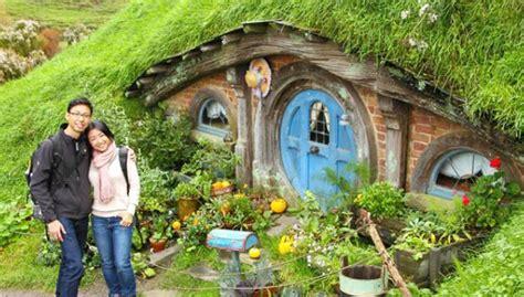 membuat rumah hobbit rumah hobbit jogja info tujuan wisata baru bantul rumah
