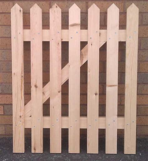 Arts And Crafts Home Plans by How To Make A Picket Fence Gate In About 30 Minutes Make