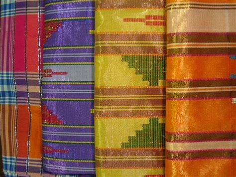 Sarung Sutera Bugis 27 best images about tenun on traditional islands and weaving