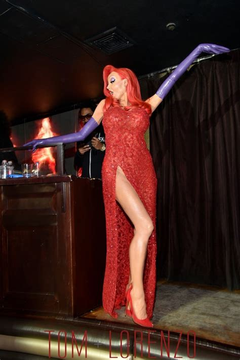 heidi klum stuns in elaborate jessica rabbit halloween heidi klum is jessica rabbit for halloween tom lorenzo
