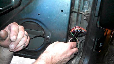 fix door speakers  jeep cherokee fixing broken