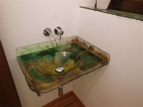 waschbecken aus glas glas waschbecken fabulous waschtisch ein becken wei glas