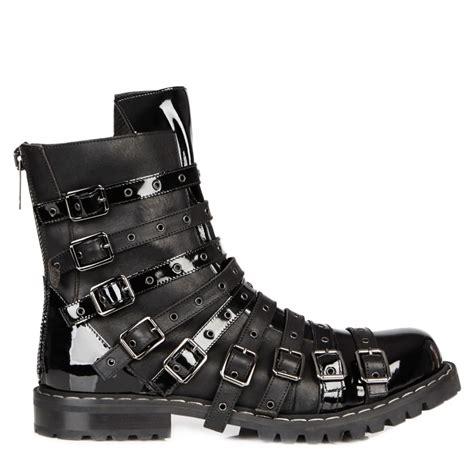 gareth pugh mens boots gareth pugh buckle embellished leather boots in black for