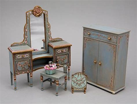 tiny doll houses 25 best ideas about victorian dollhouse on pinterest doll houses doll house crafts