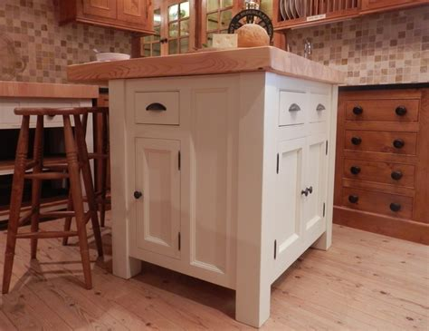 willies country kitchens 24 best images about freestanding kitchen islands on