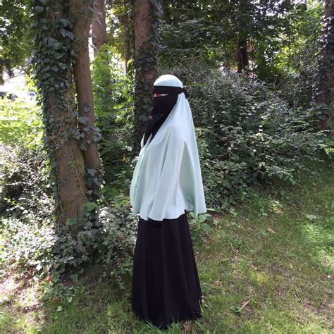 arabische frauen im bett arabisches kopftuch niqab verschleiert