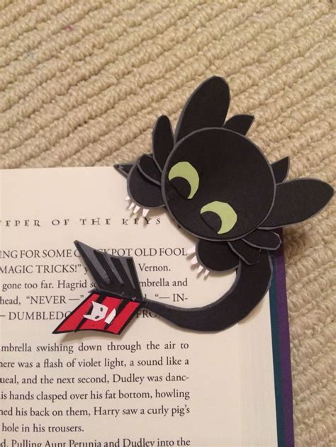 how to make a cool origami bookmark 25 best ideas about diy bookmarks on