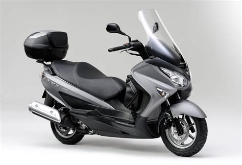 Suzuki Burgman 200 by Suzuki Burgman 200 Bilder Und Technische Daten