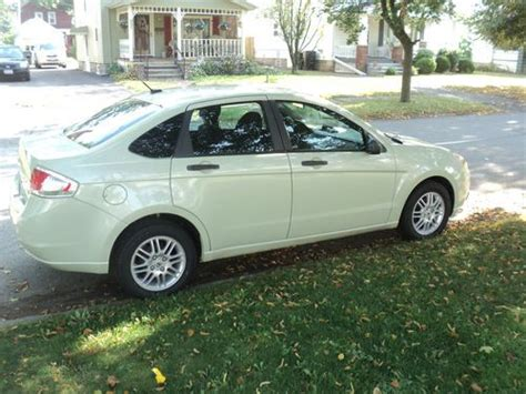 ford focus 2010 tires purchase used 2010 ford focus se sedan 4 door 2 0l one