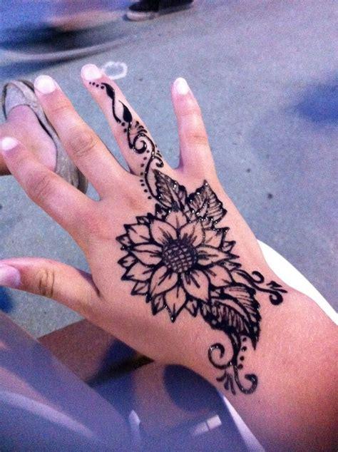 henna tattoo on hand price best 25 cool henna designs ideas on