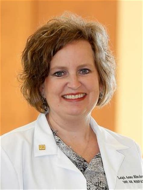 leigh anne couch officers board society of gynecologic nurse oncologists