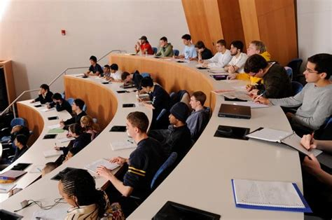 Neu Mba Experience by Top B Schools For Mba Pay Bloomberg