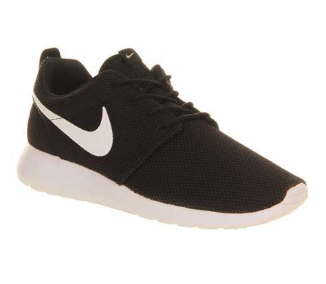 Nike Roshe Run Black White nike roshe run black white volt w unisex sports