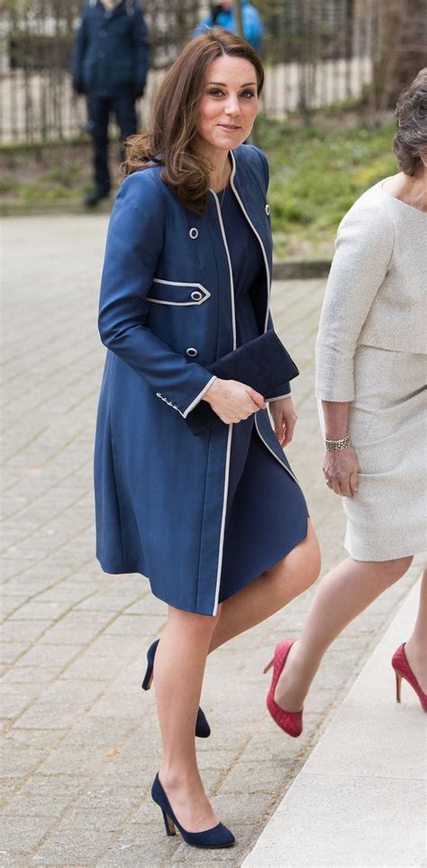 duchess of cambridge catherine duchess of cambridge shows growing baby belly